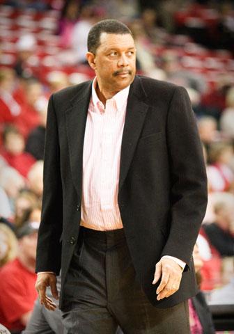Alabama coach Wendell Hudson
