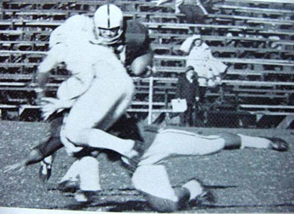 Alabama football player block