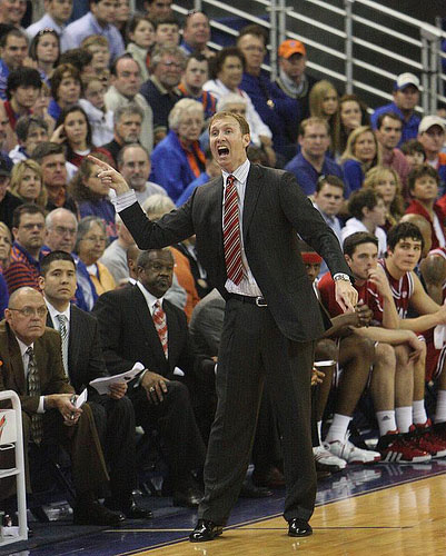 Arkansas basketball coach john pelphrey upset