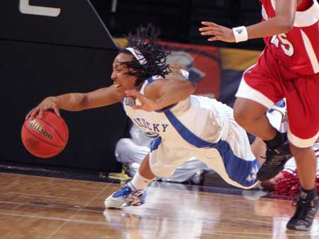 Kentucky Women's Basketball Player Dives for the Ball
