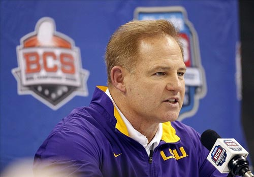 LSU Tigers head coach Les Miles
