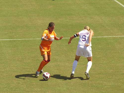 Tennessee soccer player dribble