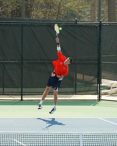 Big Auburn tennis serve