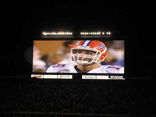 Tim Tebow shown in jumbotron at 2009  BCS Championship game