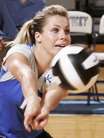 Kentucky Volleyball Dig