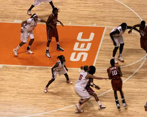 Tennessee Lady Vols basketball team plays defense